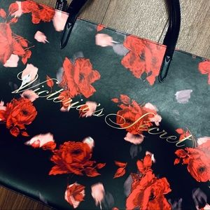 Victoria's Secret Bags - BRAND NEW VICTORIA's SECRET Floral TOTE Bag Red
